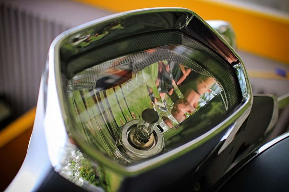 Vespa Sprint headlight