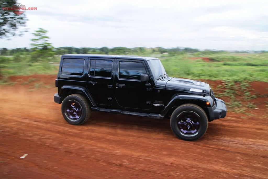 jeep wrangler 6 4 hemi 2017 2018 best cars reviews. Black Bedroom Furniture Sets. Home Design Ideas