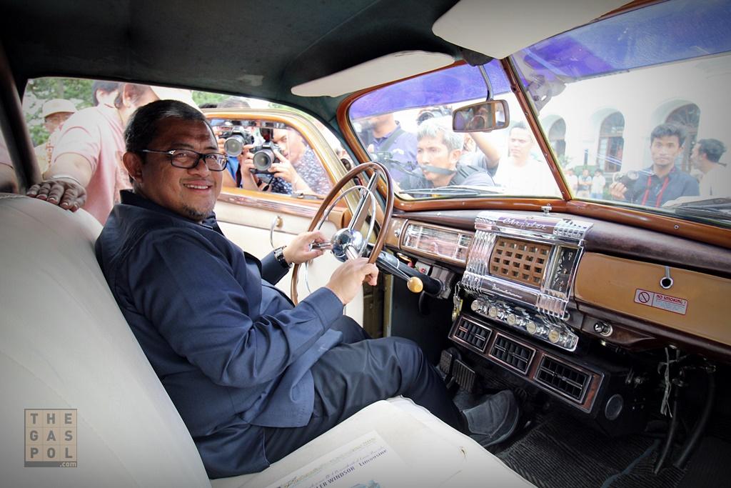 Mobil RI 1 Klasik Chrysler Windsor Limousine